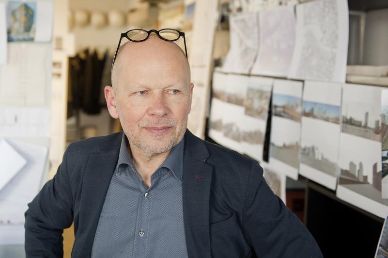 Rolandas Palekas. Architektūra, tapusi religija