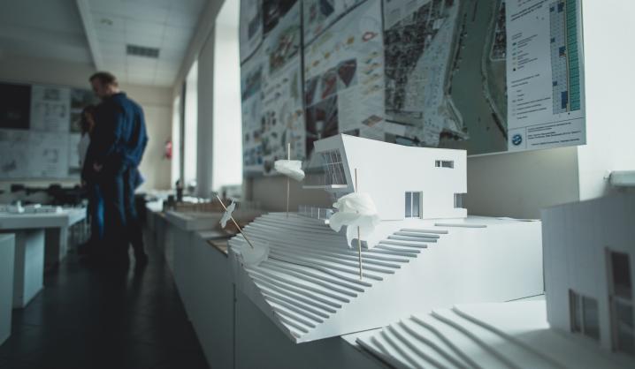 Pakeliui pas skaitytojus – naujas architektūros kritikos veikalas