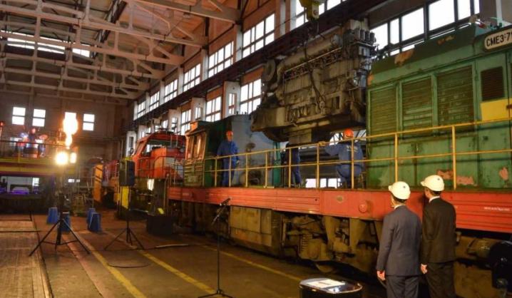 Lietuviai gamins suskystintomis gamtinėmis dujomis varomą lokomotyvą