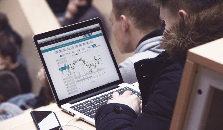 """""""CoinGate"""" atstovas VGTU skaitė paskaitą apie """"blockchain"""" technologiją"""